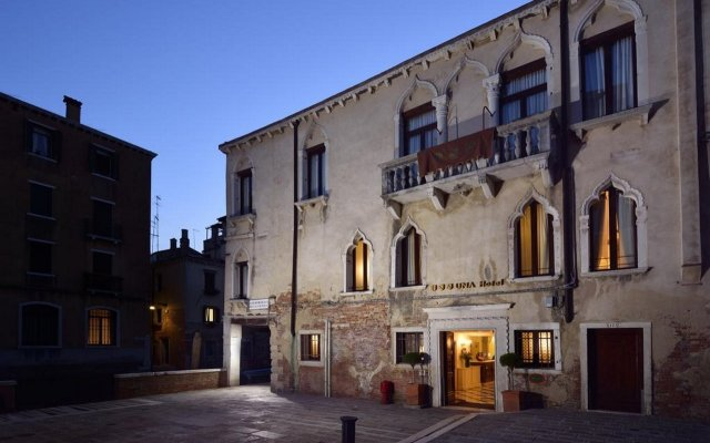 Отель Maison Venezia - UNA Esperienze вид на фасад