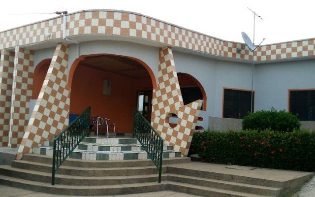 Отель Maybeth Guest House Гана, Кофоридуа - отзывы, цены и фото номеров - забронировать отель Maybeth Guest House онлайн