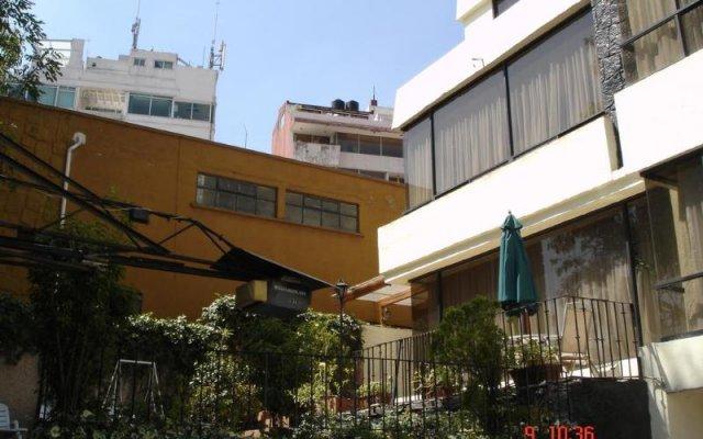 Отель Steinhaus Suites Palacio De Versalles Мехико вид на фасад
