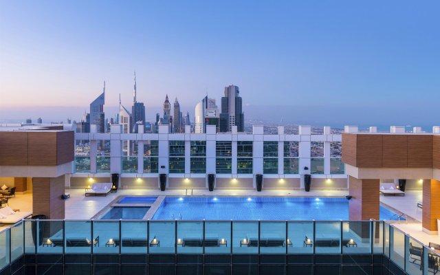 Sheraton Grand Hotel, Dubai вид на фасад