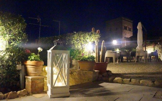 Отель Locanda La Mandragola Италия, Сан-Джиминьяно - отзывы, цены и фото номеров - забронировать отель Locanda La Mandragola онлайн вид на фасад