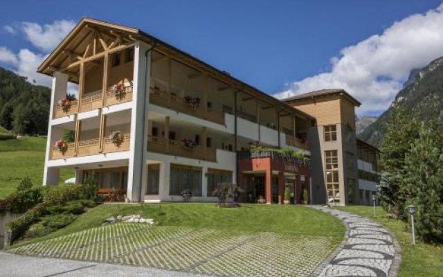 Отель Residence Ladurns Горнолыжный курорт Ортлер вид на фасад