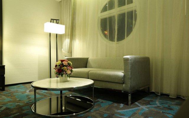 Grace Hotel Bangkok Бангкок комната для гостей