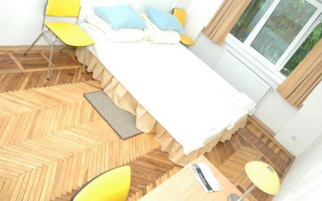 Гостиница Yellow House вид на фасад