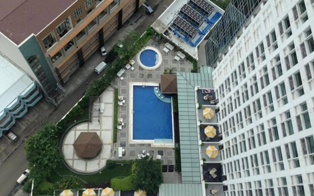 Quest Hotel & Conference Center - Cebu вид на фасад