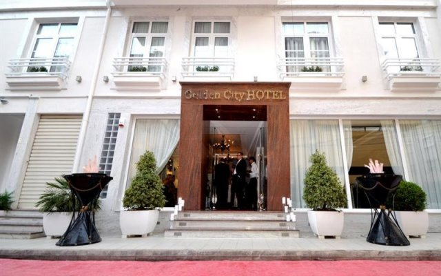 Golden City Hotel вид на фасад