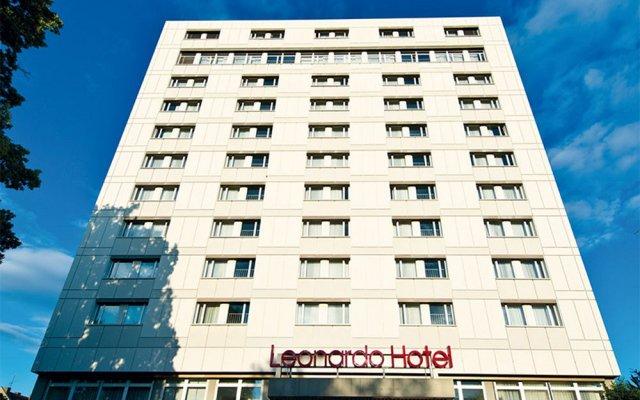 Leonardo Hotel Karlsruhe вид на фасад