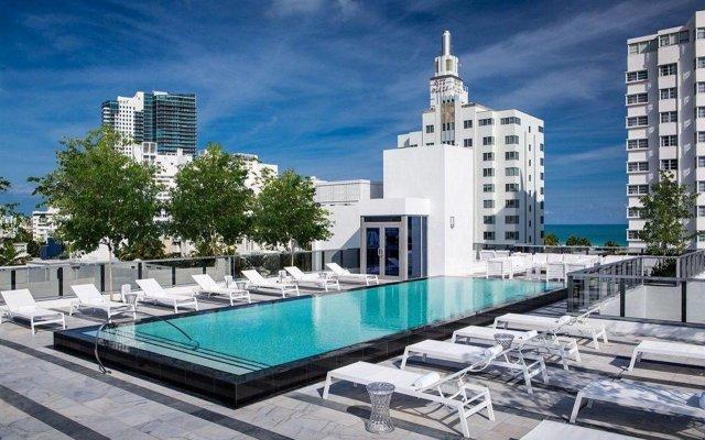 Отель Gale South Beach, Curio Collection by Hilton бассейн