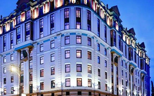 Марриотт Гранд Отель вид на фасад