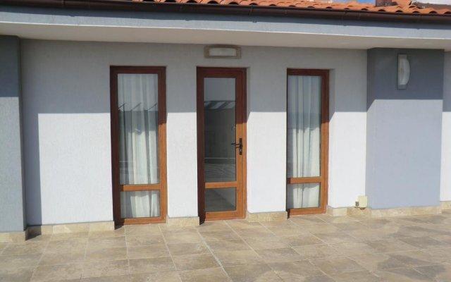 Отель Guest House Petrovi Болгария, Равда - отзывы, цены и фото номеров - забронировать отель Guest House Petrovi онлайн вид на фасад