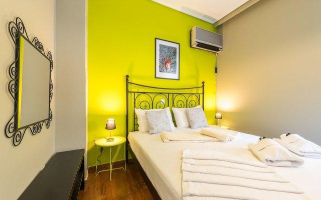 Отель Stylish Apartment with Balcony Греция, Афины - отзывы, цены и фото номеров - забронировать отель Stylish Apartment with Balcony онлайн комната для гостей