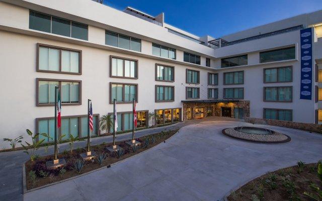 Отель Hampton Inn & Suites by Hilton Los Cabos вид на фасад