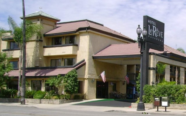Hotel Le Reve Pasadena вид на фасад