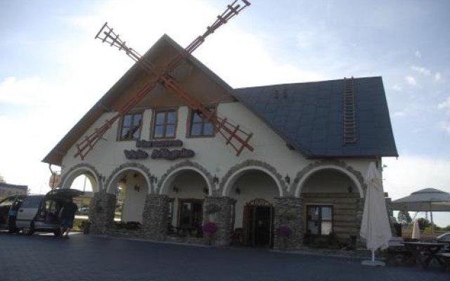 Отель Karczma We Młynie вид на фасад