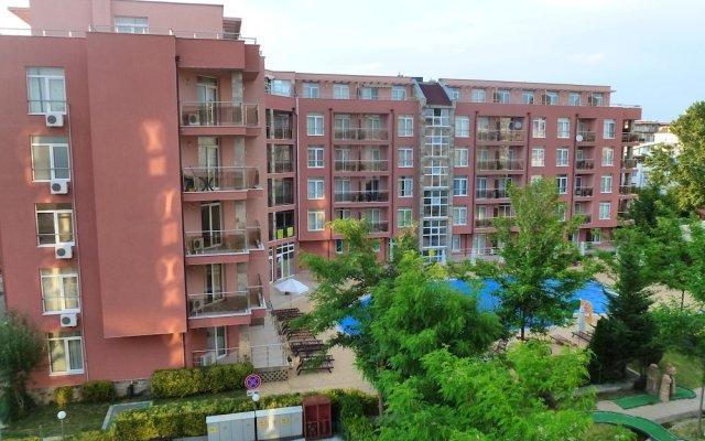 Апартаменты Apartments in Rainbow Holiday Complex вид на фасад