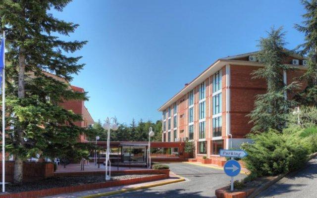 Montserrat Hotel & Training Center вид на фасад