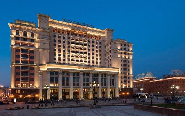 Гостиница Four Seasons Hotel Moscow в Москве 2 отзыва об отеле, цены и фото номеров - забронировать гостиницу Four Seasons Hotel Moscow онлайн Москва вид на фасад