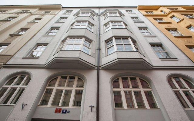 Отель Golden Prague Rooms Прага вид на фасад