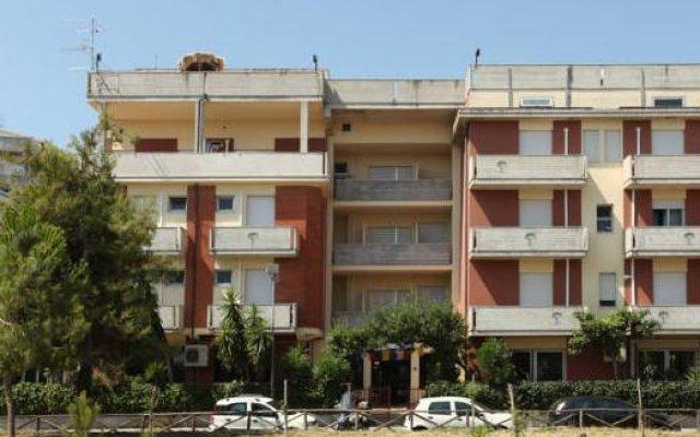 Hotel Nel Pineto вид на фасад