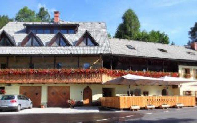 Отель Gostilna Šurc Словения, Средня Вас в Бохине - отзывы, цены и фото номеров - забронировать отель Gostilna Šurc онлайн вид на фасад