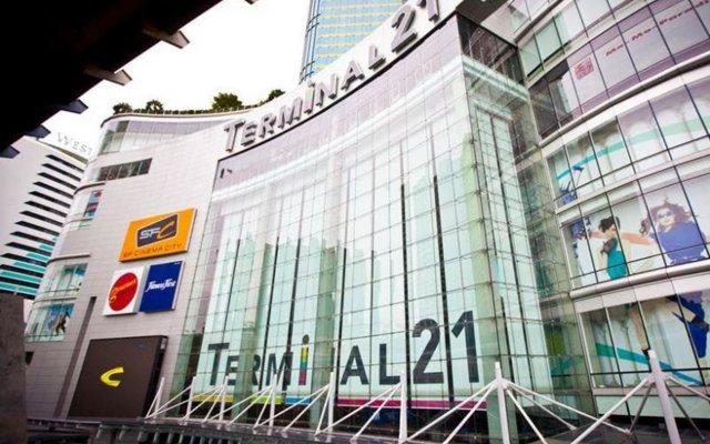 Отель Mad Cow Hostel Asoke Таиланд, Бангкок - отзывы, цены и фото номеров - забронировать отель Mad Cow Hostel Asoke онлайн вид на фасад