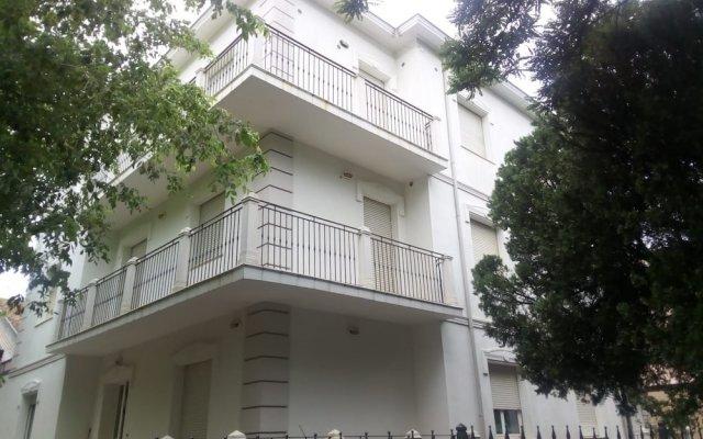 Отель Villa Leonardo Da Vinci Римини вид на фасад