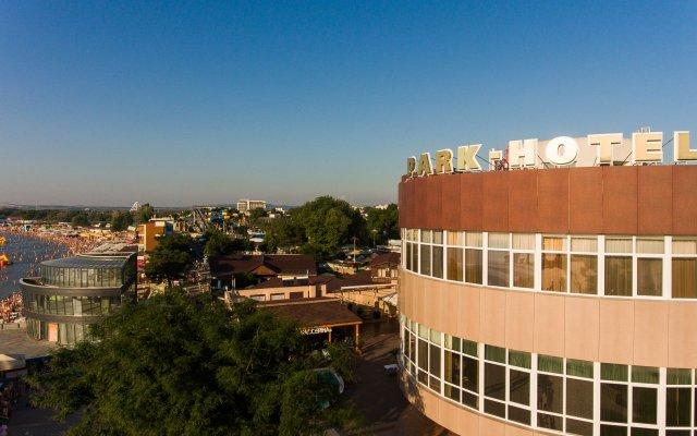 Гостиница Парк в Анапе 3 отзыва об отеле, цены и фото номеров - забронировать гостиницу Парк онлайн Анапа вид на фасад