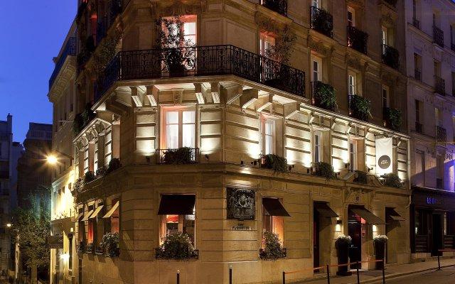 Отель Room Mate Alain вид на фасад