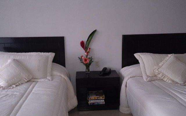 Отель Suites del Real комната для гостей