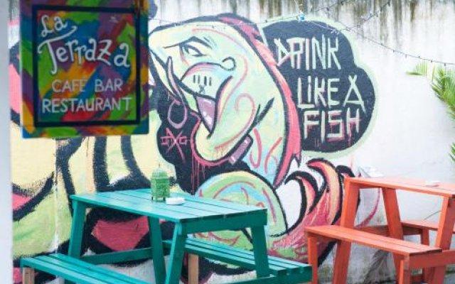 Отель La Hamaca Hostel Гондурас, Сан-Педро-Сула - отзывы, цены и фото номеров - забронировать отель La Hamaca Hostel онлайн вид на фасад