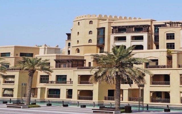 Отель DHH - Souk Al Bahar Дубай вид на фасад