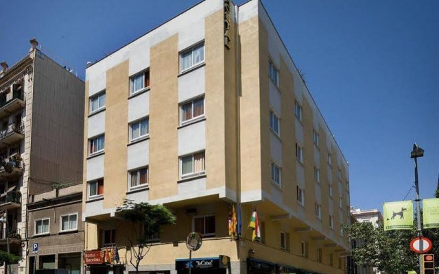 Отель Hostal Barcelona вид на фасад