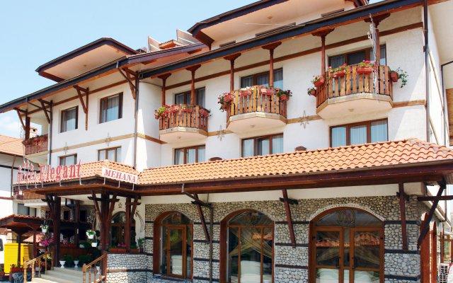 Отель Elegant вид на фасад