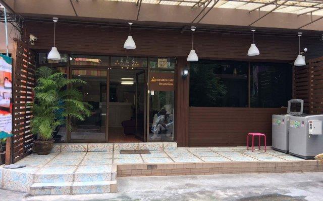 Отель Patra@Sathorn Бангкок вид на фасад