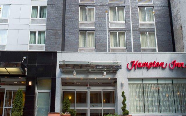 Отель Hampton Inn Manhattan/Times Square South США, Нью-Йорк - отзывы, цены и фото номеров - забронировать отель Hampton Inn Manhattan/Times Square South онлайн вид на фасад