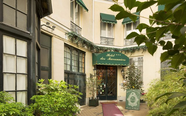 Отель Des Marronniers Париж вид на фасад