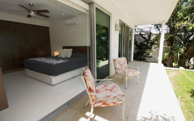 Отель Downtown Apartment Oasis 12 Мексика, Плая-дель-Кармен - отзывы, цены и фото номеров - забронировать отель Downtown Apartment Oasis 12 онлайн вид на фасад