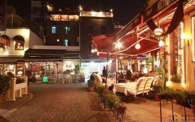 Tria Istanbul