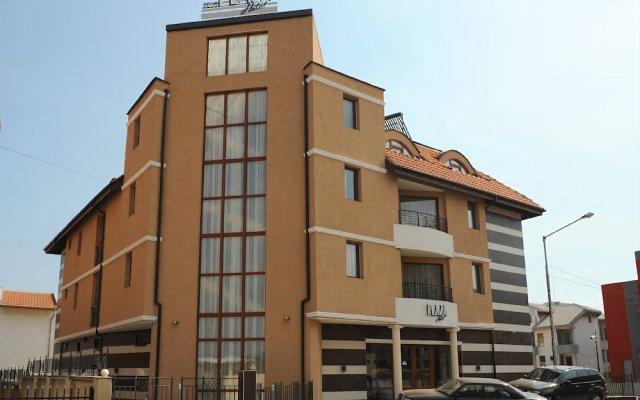 Отель Plaza Болгария, Равда - отзывы, цены и фото номеров - забронировать отель Plaza онлайн вид на фасад