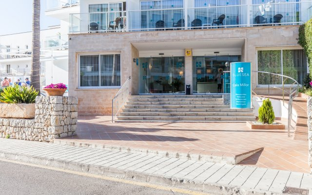 Hotel Blue Sea Cala Millor вид на фасад
