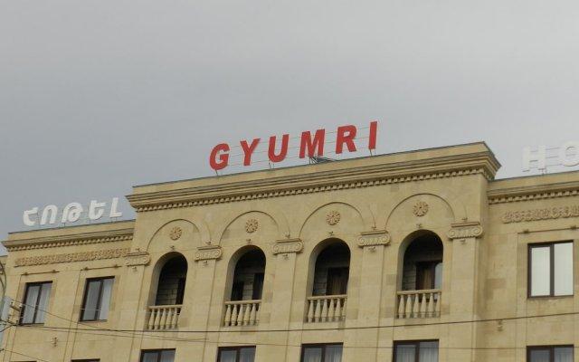 Отель Гюмри Армения, Гюмри - отзывы, цены и фото номеров - забронировать отель Гюмри онлайн вид на фасад