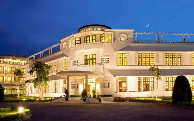 Отель Azerai La Residence, Hue вид на фасад