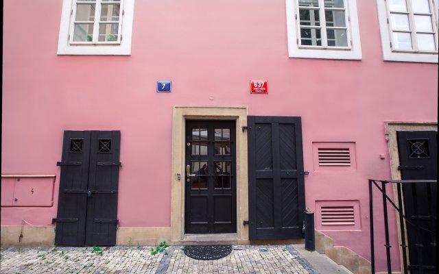 Отель Tyn Yard Residence Прага вид на фасад