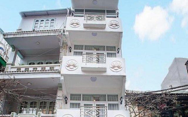 Отель Wild Lotus Hotel - Hoan Kiem Вьетнам, Ханой - отзывы, цены и фото номеров - забронировать отель Wild Lotus Hotel - Hoan Kiem онлайн вид на фасад