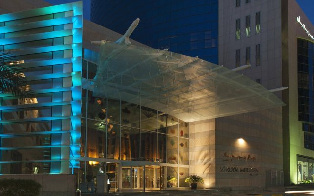 Отель Le Royal Meridien Abu Dhabi вид на фасад