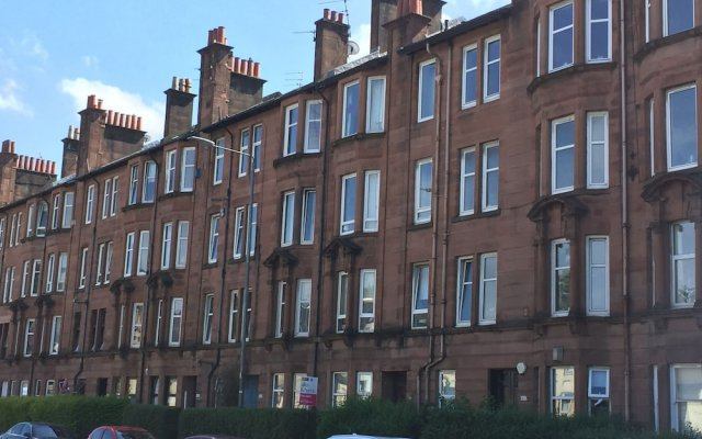 Great Location 2 Bedroom Scotstoun Flat
