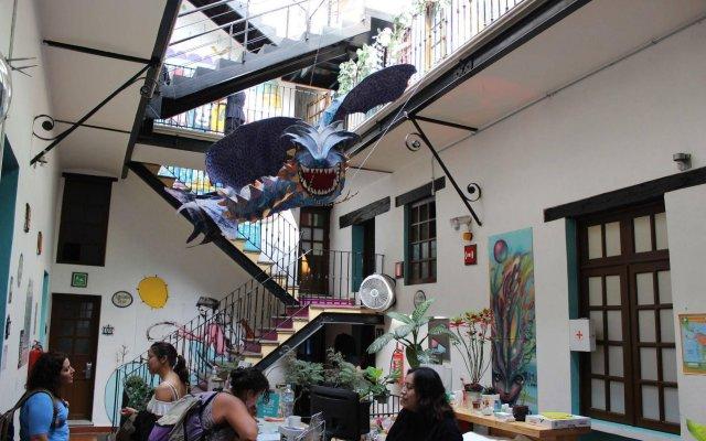 Отель Hostal Centro Historico Regina Мексика, Мехико - 1 отзыв об отеле, цены и фото номеров - забронировать отель Hostal Centro Historico Regina онлайн вид на фасад