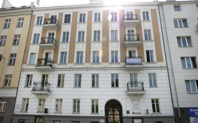 Отель ShortStayPoland Dobra B9 вид на фасад