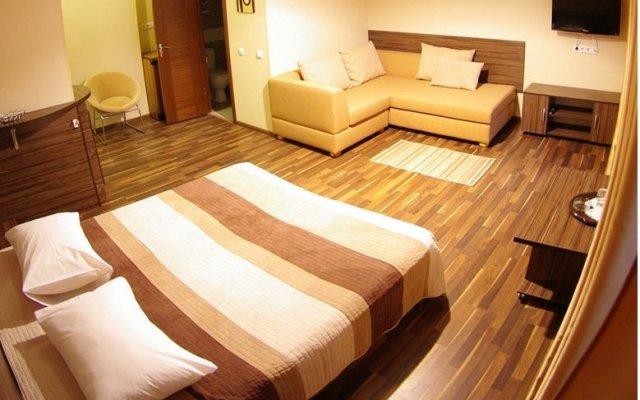 Отель Дарницкий