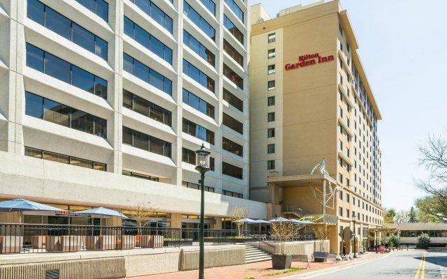 Отель Hilton Garden Inn Bethesda вид на фасад